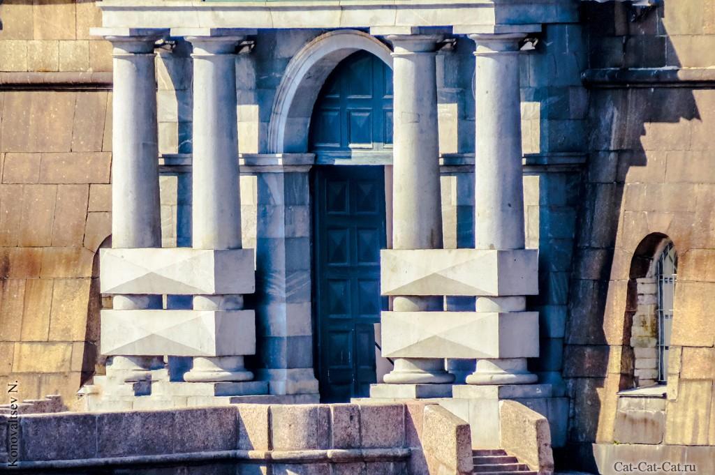 Ворота комендантской пристани