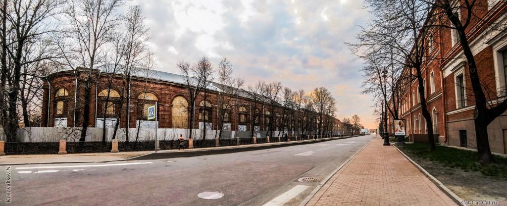Лесной склад и Центральный военно-морской музей. Панорама Санкт-Петербурга.