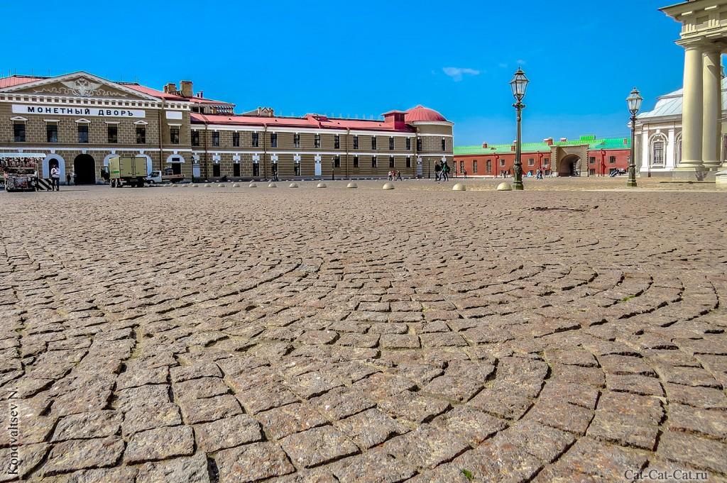 Санкт-Петербургский монетный двор Гознака, Соборная площадь