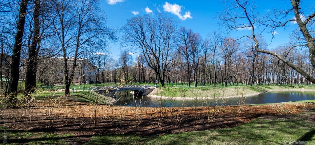 Михайловский сад, чугунный мостик Росси (панорама)