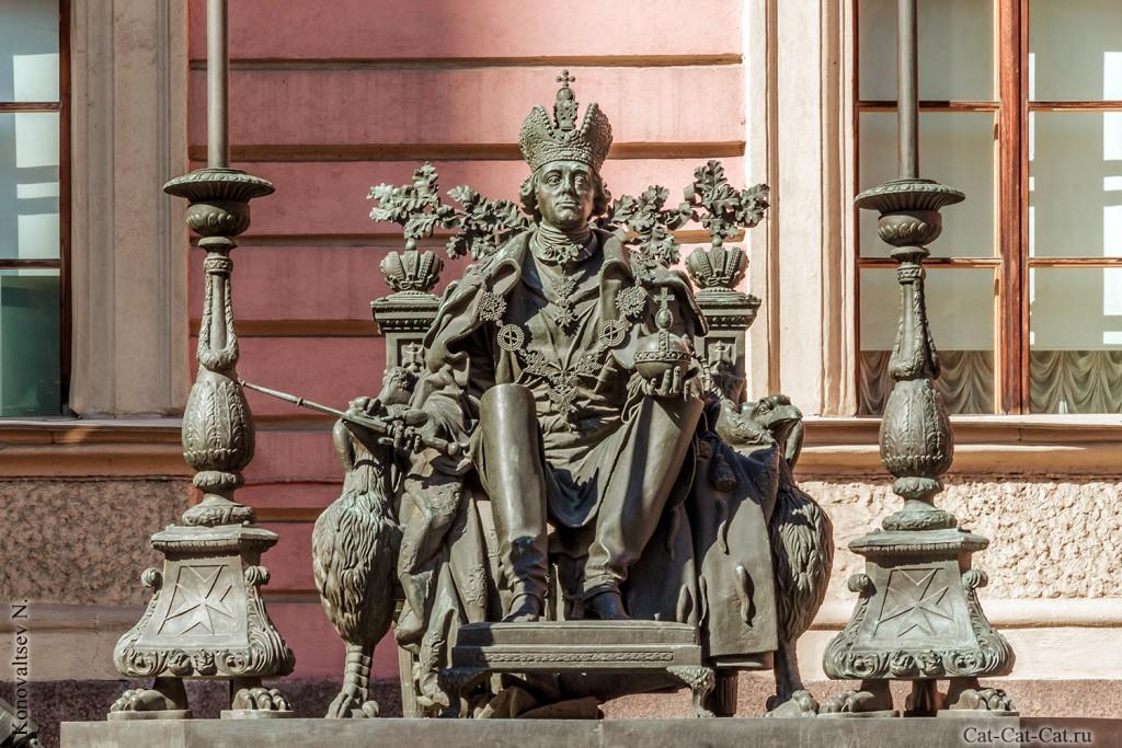 Михайловский замок, Памятник Павлу I
