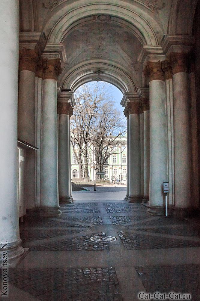 Зимний дворец (ворота)